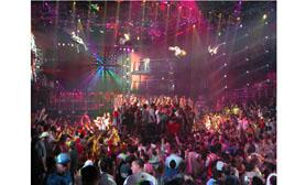 Cancun Coco Bongo nightclub disco